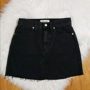 Madewell women's raw hem black denim skirt size 26